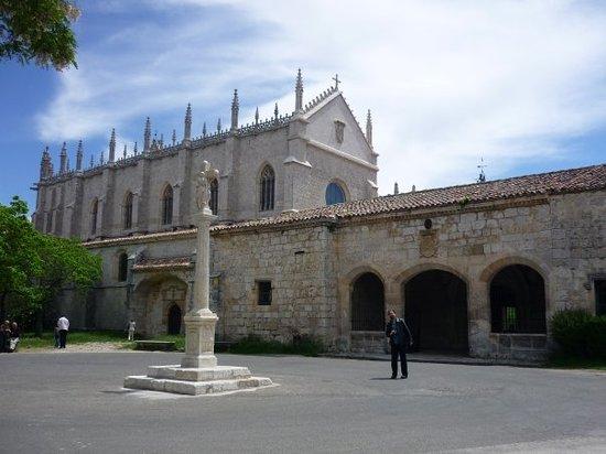 Cartuja de MirafloresA unos 3km de Burgos fue fundada en 1441 por el rey Juan II de Castilla
