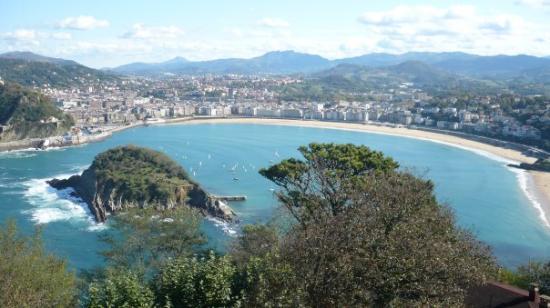 La Concha Beach : Playa de la Concha desde el Monte Igueldo ... y un día espectacular!!