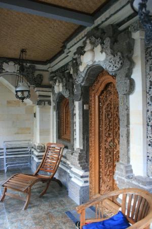 ซาเนีย บังกะโล: Balcony