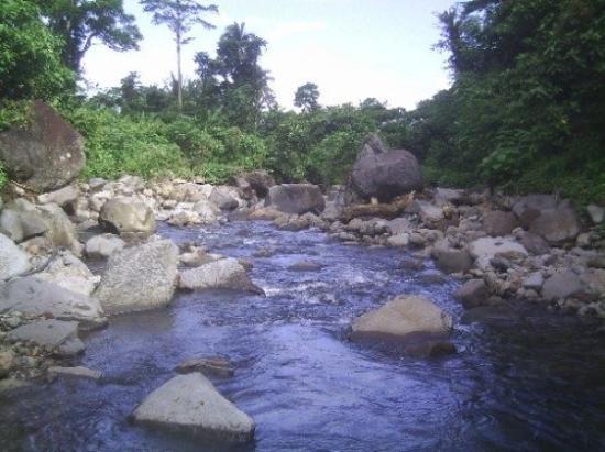 la riviere du village - 南カマ...