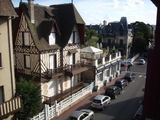 Résidence hôtelière La Loggia : View from Room Right side