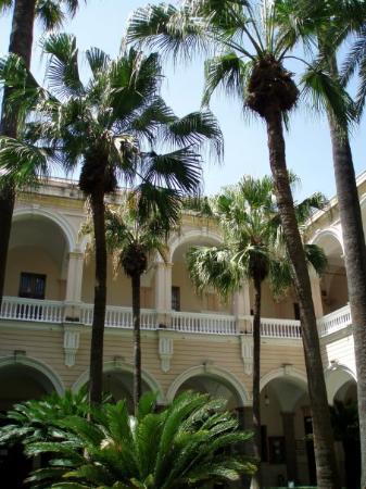 ซาสซารี, อิตาลี: in the courtyard of the university of Sassari May 23, 2009