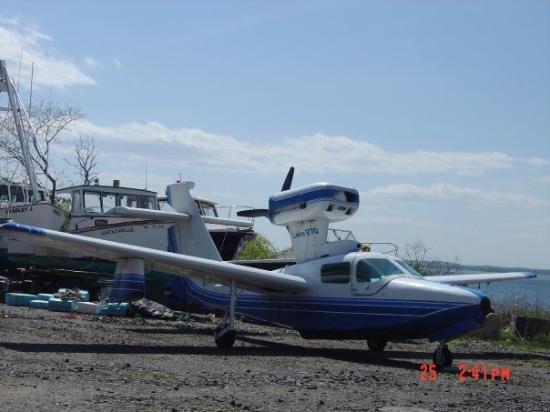 Long Island, ME: seaplane