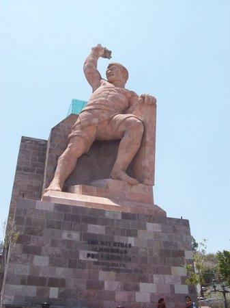 Monumento al Pipila: Que macizoooooooooo =p