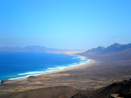 """Playa de Cofete: Es una playa desierta ... """"estamos solos"""" !!!   solos ?   """"solos :)""""   Se puede hacer todo"""