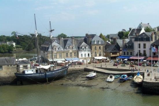 Auray  France St-goustan - Picture Of Auray  Morbihan