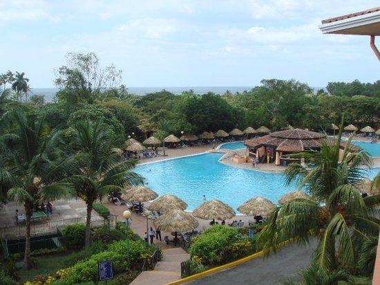 Montélimar, Nicaragua: Montelimar - view of the pool.