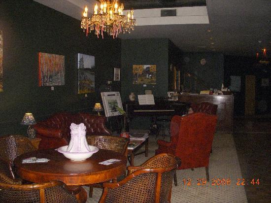 The Charles Inn: lobby