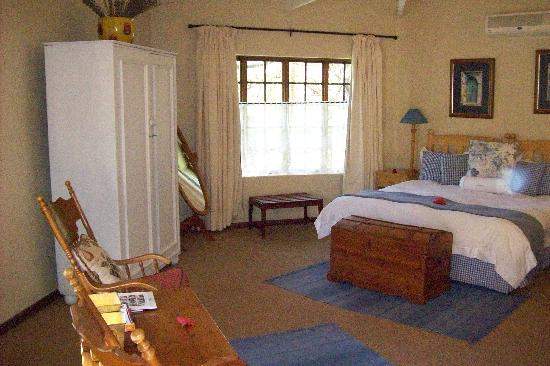 Jatinga Country Lodge: Awesome room
