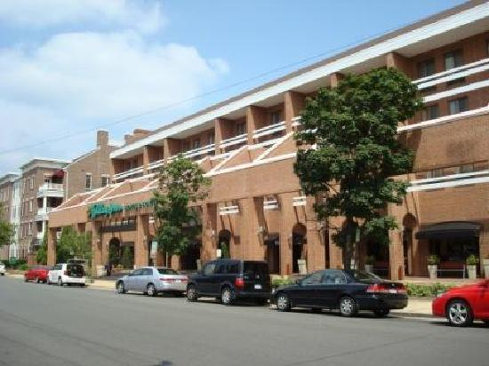 Holiday Inn Hotel & Suites Historic District Alexandria, VA