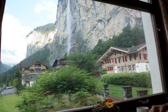 Hotel Staubbach: Vistas desde la sala del desayuno