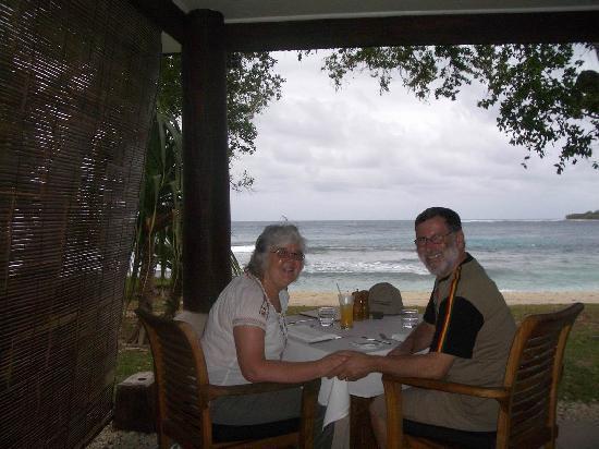 Eratap Beach Resort: Lunch in the restaurant
