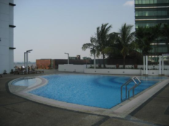 M Hotels: Pool on 4th floor