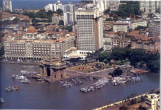 Mumbai (Bombay), India: Gate-way of India