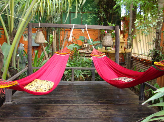 Golden Temple Villa: Hammocks to lounge in