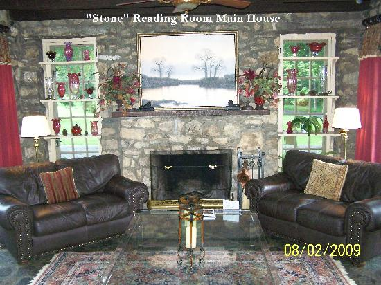 Chimney Hill Estate & Ol' Barn Inn: Relaxing Reading Room