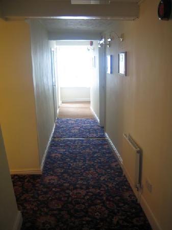 Bungay, UK: Hallway Grubby Carpet