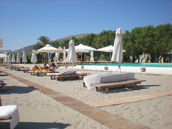 Plaza Resort Hotel: plage et matelas