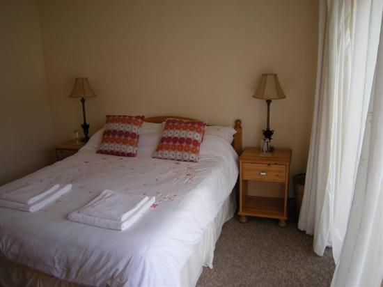 Rooms at Elmbank: One bedroom at Elmbank B&B