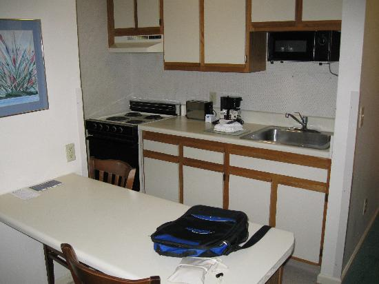 Extended Stay America - Greenville - Haywood Mall: Kitchen area