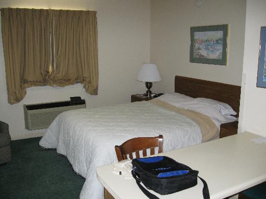 Extended Stay America - Greenville - Haywood Mall: Bedroom area 1