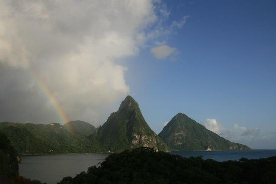 Jade Mountain Resort : But the rain never lasts for long