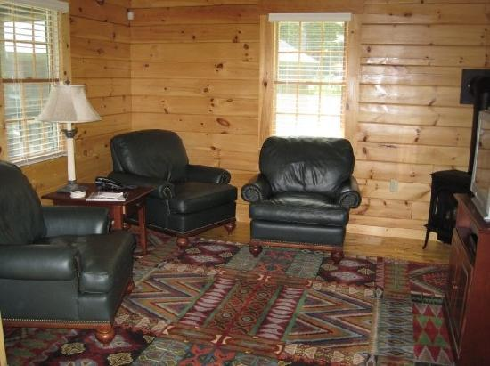 Point Lookout: Living room area of cabin