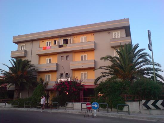 Hotel Mistral: Hotel from the outside