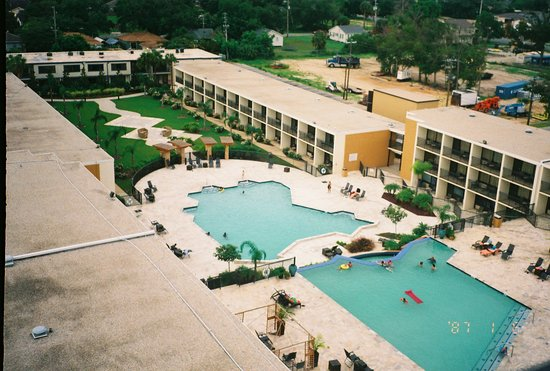 Ip casino biloxi pool