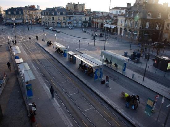 Burdeos, Francia: idem, vue de l'appart' de Miss Liz