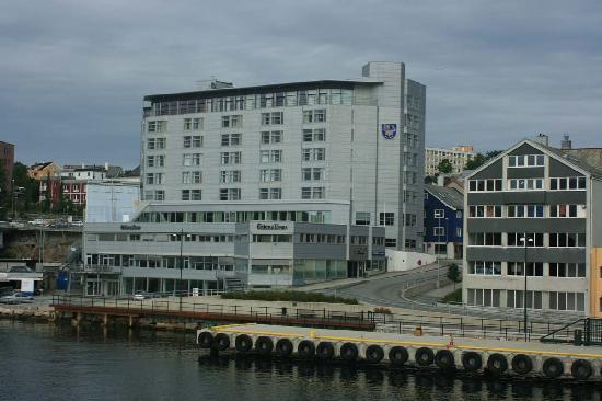 Scandic Kristiansund : Kristiansund Rica Hotel seen from the ferry to Bremsnes