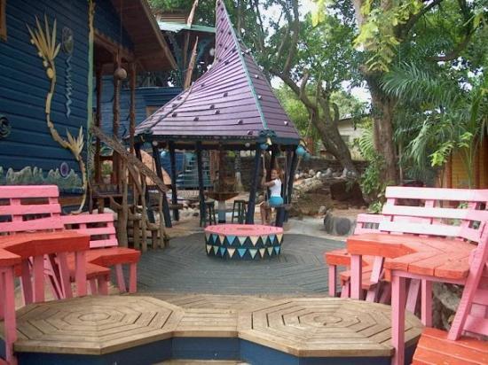Nightland Cabins at JadeSeahorse: Jade Seahorse, Utila