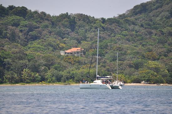 Villa Delfin Roatan: House from Water