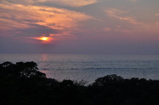 Villa Delfin Roatan: Sunset