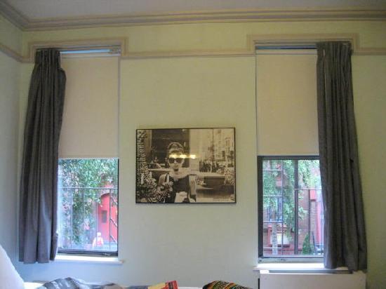 414 Hotel: ventana habitacion