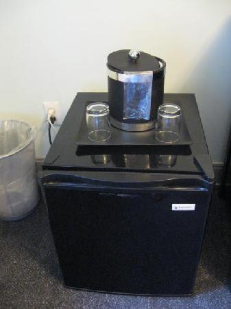 414 Hotel: refrigerador
