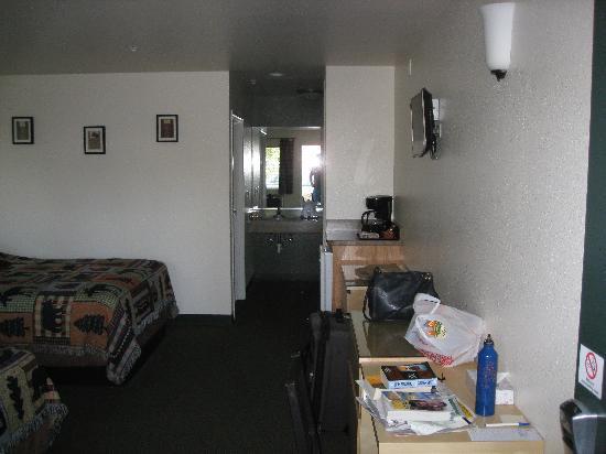 Antlers Motel: Room2