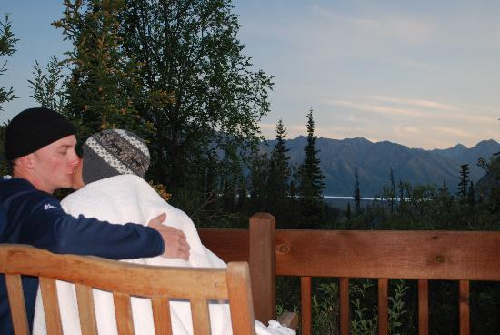 Tundra Rose Guest Cottages: Pic of the Tundra Rose porch; what a view!