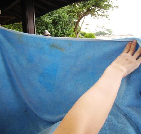 Club Med Bintan Island : Stained towels...