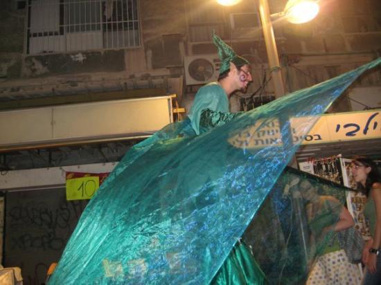 Nachlat Binyamin Pedestrian Mall: נחלת בנימין בלילה