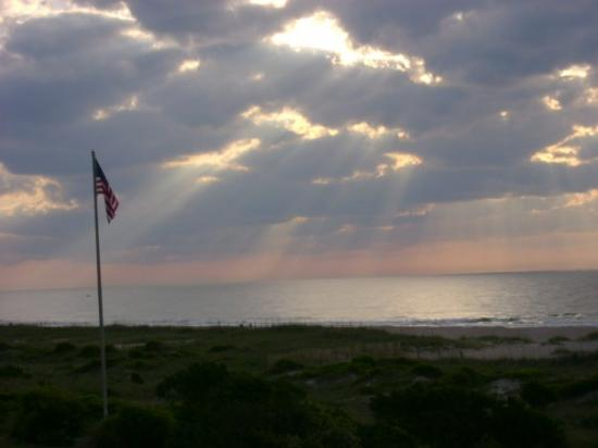 Wrightsville Beach, นอร์ทแคโรไลนา: the view from the deck at wville beach june 2008