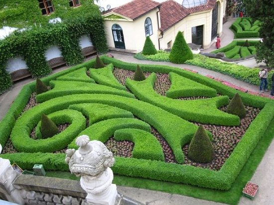 The vrtba garden prague all you need to know before for Jardines barrocos
