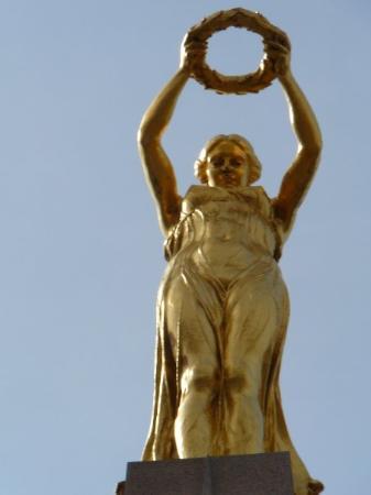 Monument de la Solidarite Nationale : The Angel @ war memorial, Luxembourg