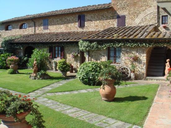 Villa Le Torri: Exterior