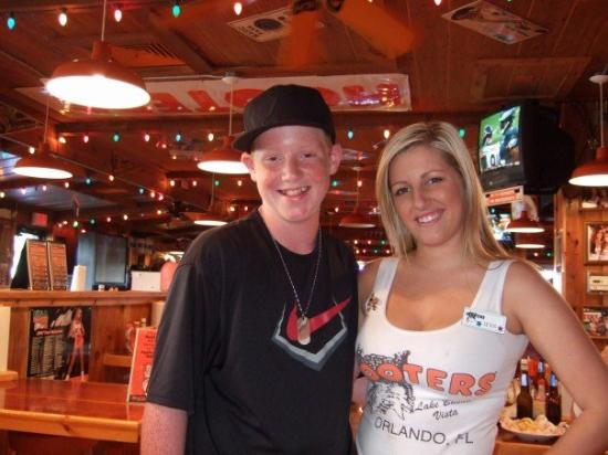 Lee's fav part of trip I reckon..... HOOTERS! Plus Rangers v Barcelona game was on television..