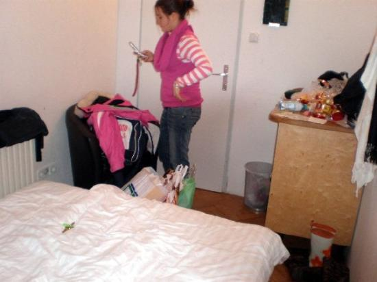 Blue Corridor Hostel: Io nella bettola