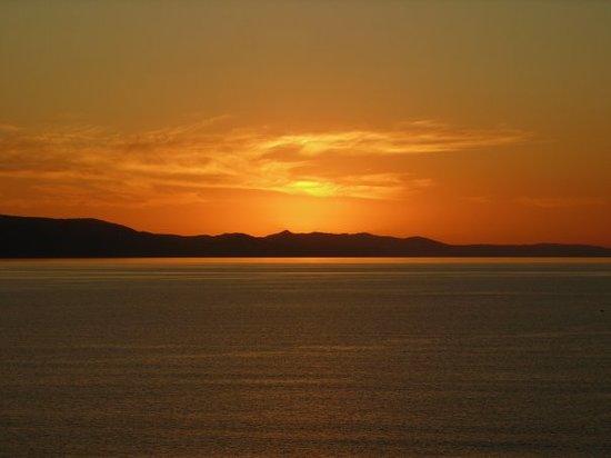 كرواتيا: coucher de soleil a Zivogosce sur lile de Hvar(en Croatie)