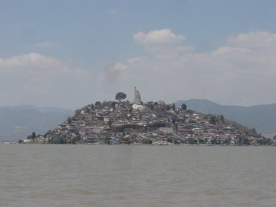‪Lake Patzcuaro‬