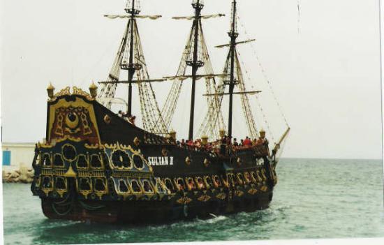 Le bateau pirate photo de hammamet gouvernorat de - Image bateau pirate ...