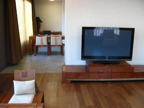 Nippon Hotel: King Apartment